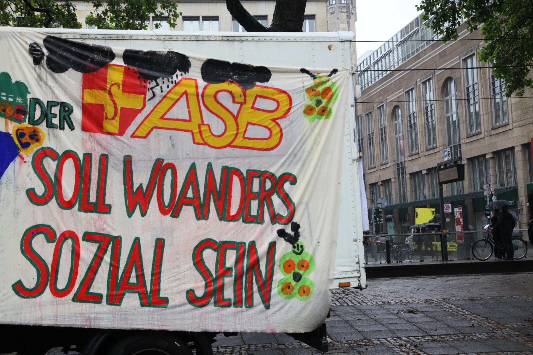 ASB bauwagenplatz wemgehoertdiewelt demo